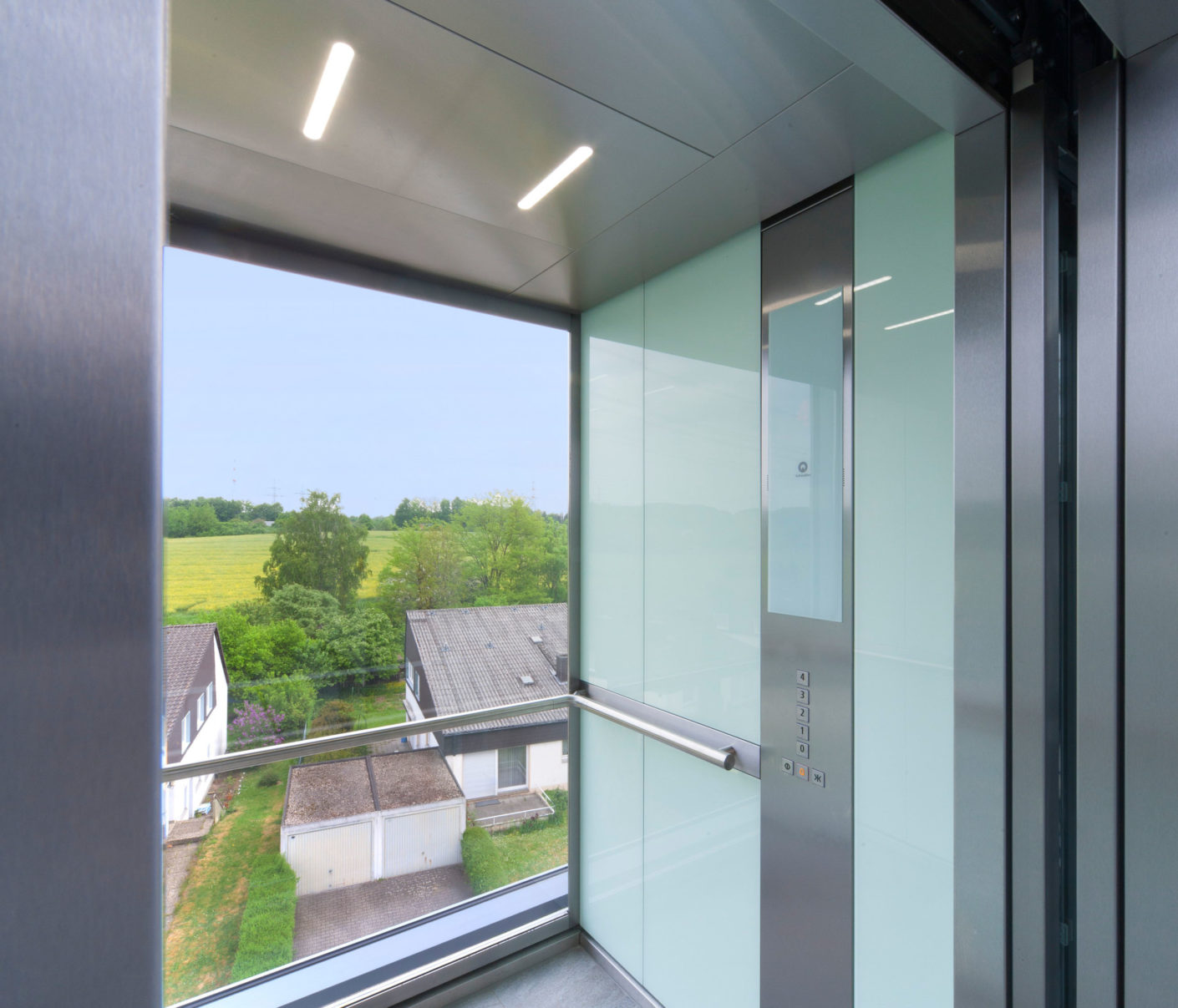 The Schindler 5500 model was installed in the building, an elevator offering energy-saving LED lighting.