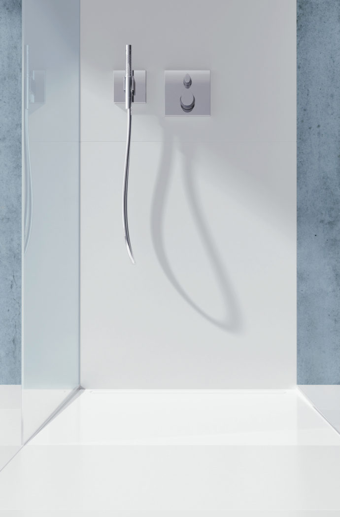 """Plane: """"Cayonoplan"""" from Kaldewei prevents stumbling blocks in the small bathroom."""