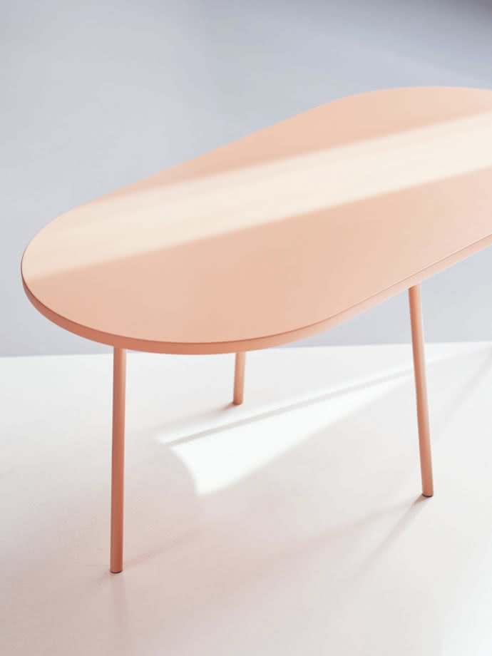 "Coffeetable from the collection ""Bond"" by Aust & Amelung"