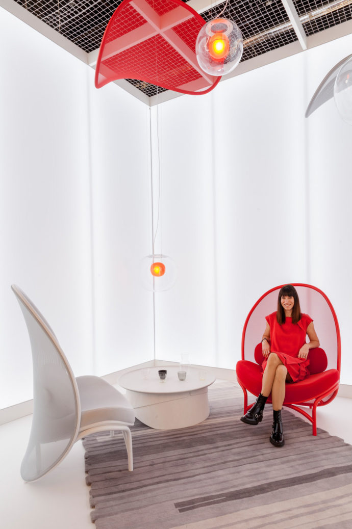 """With """"Chips"""" Lucie Koldova wanted to kreeir """"a solitary piece with a distinctive character, which stands out clearly from the classic chair."""""""
