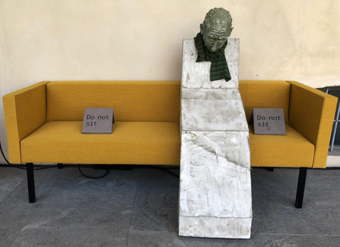 """Sander Breure & Witte van Hulzen and the """"No idea couch"""""""