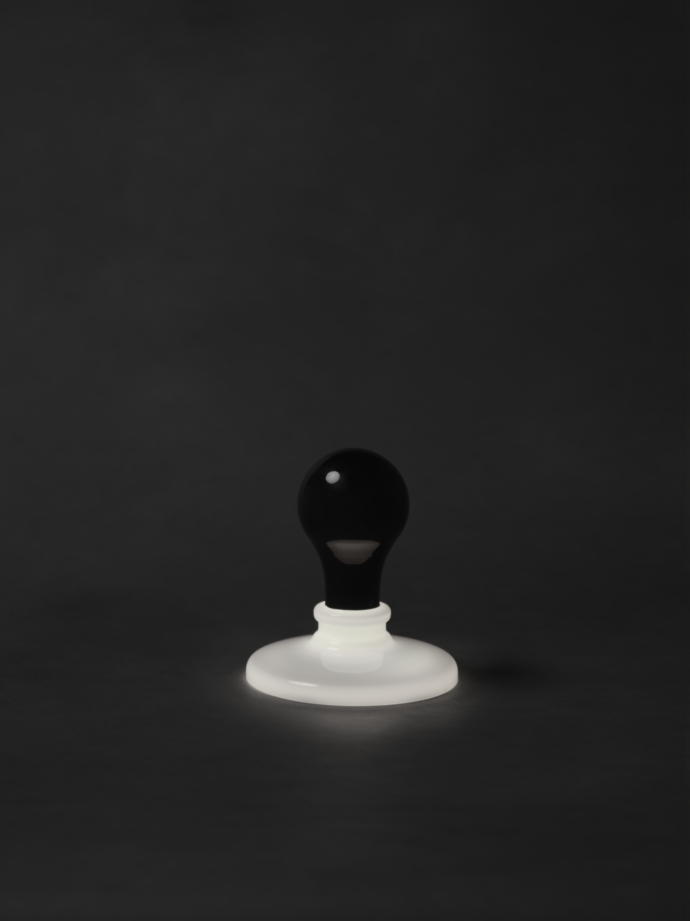 Stylepark Selected_Foscarini_Black-light_James Wines.tif