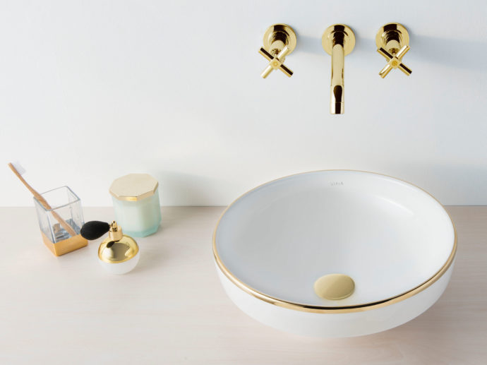 """Goldrim: The """"Water Jewels"""" washbasin was designed by Matteo Thun for VitrA and is also available with copper and platinum decoration."""