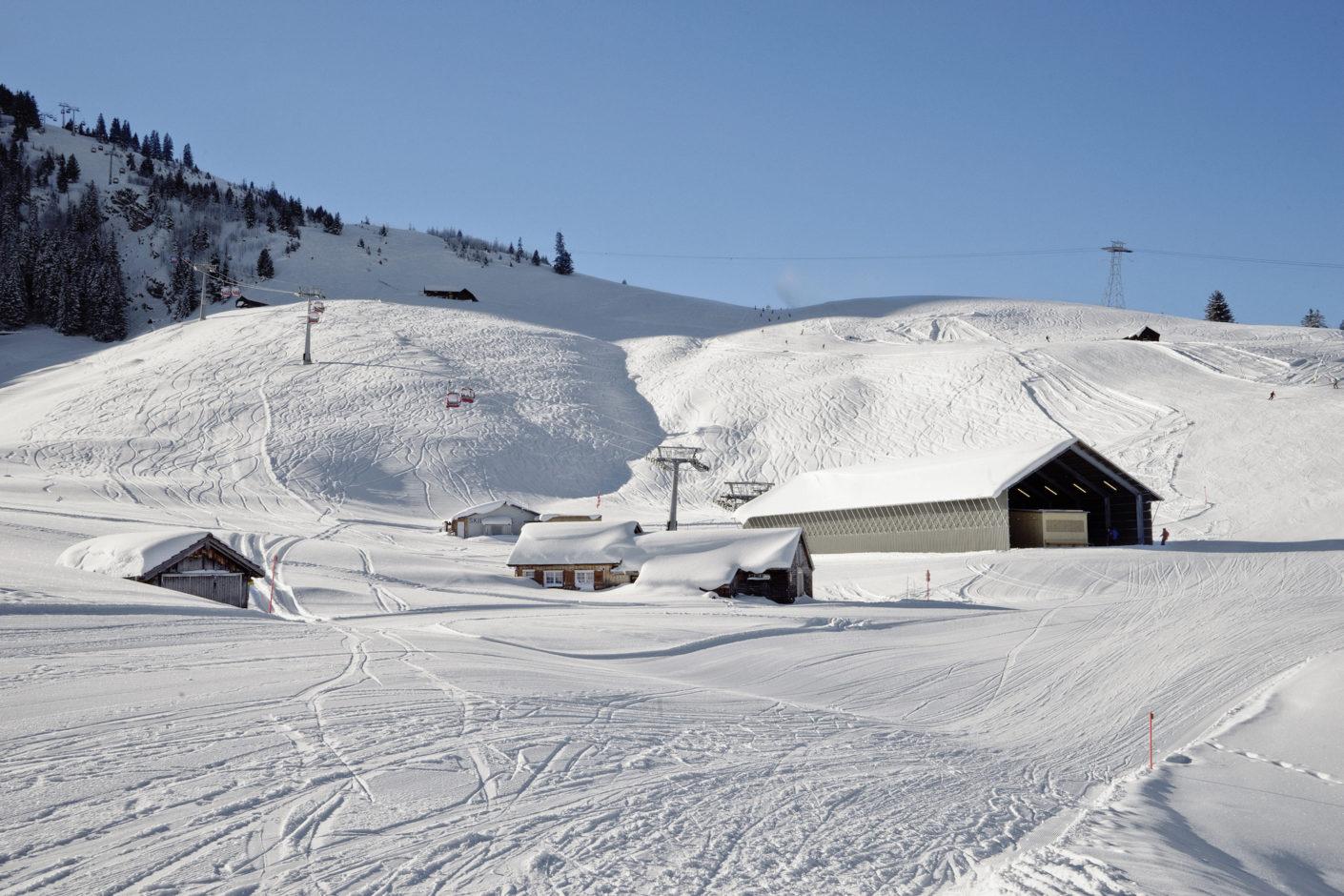 Talstation der neuen Gondelbahn am Chäserrugg von Herzog & de Meuron