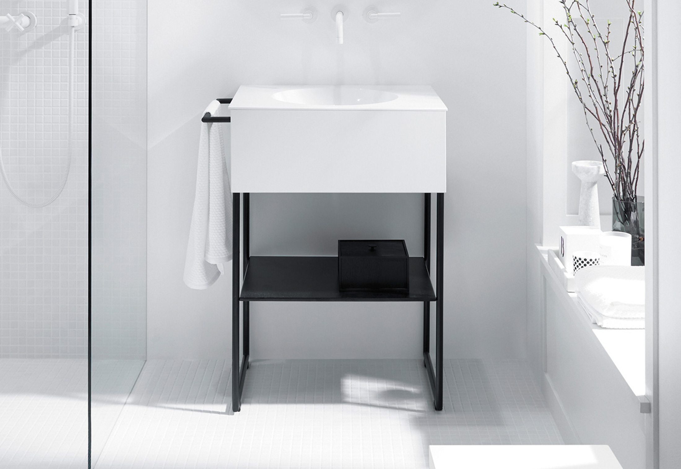 Coco mineral cast washbasin incl vanity unit and metal legs