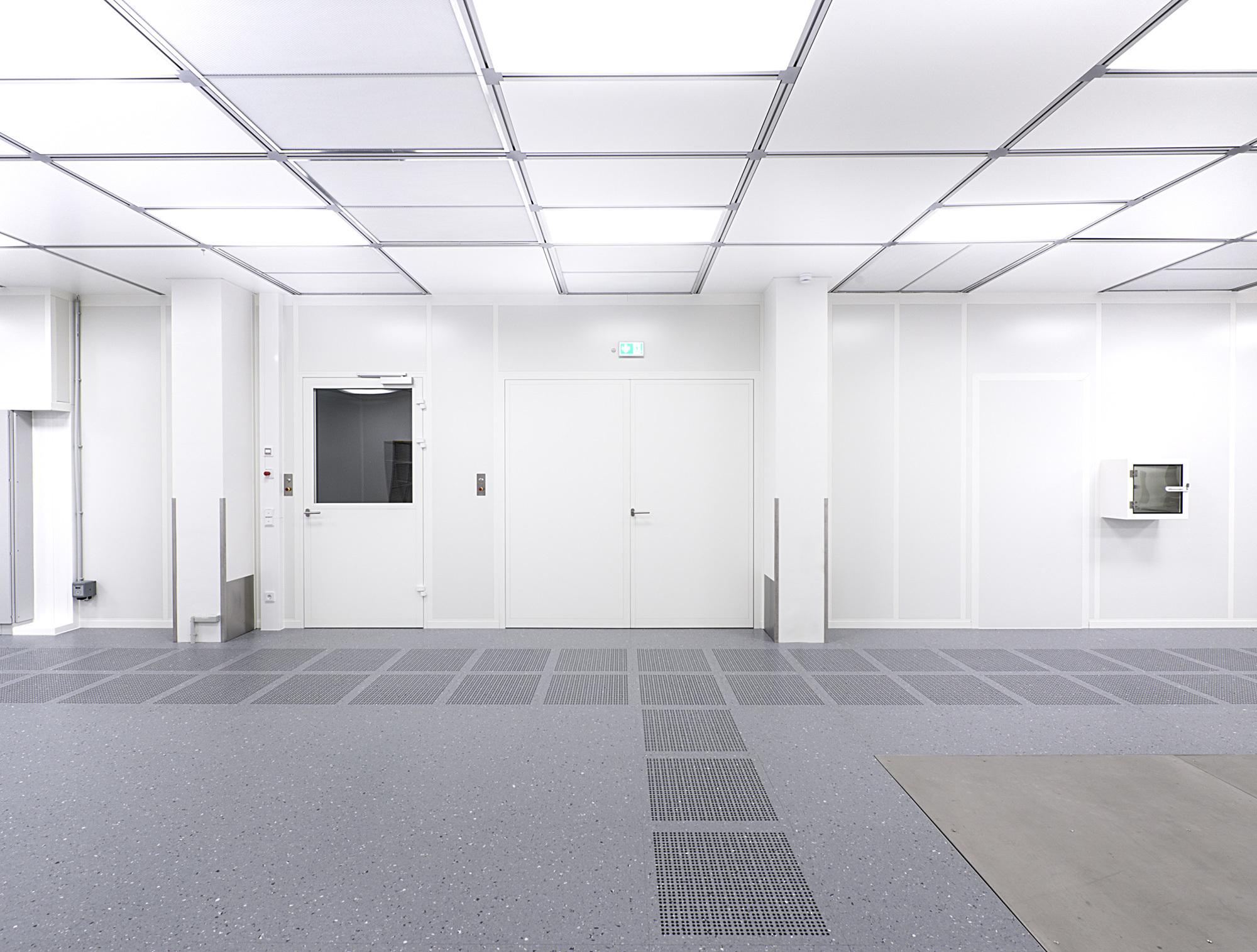 Clean Room: Clean Room Ceiling By Lindner Group