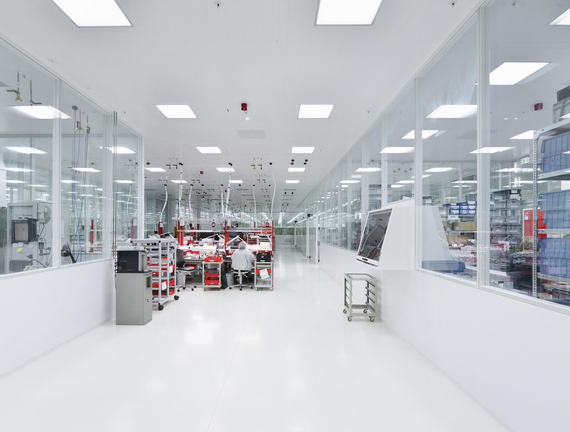 Clean Room Ceiling By Lindner Group Stylepark