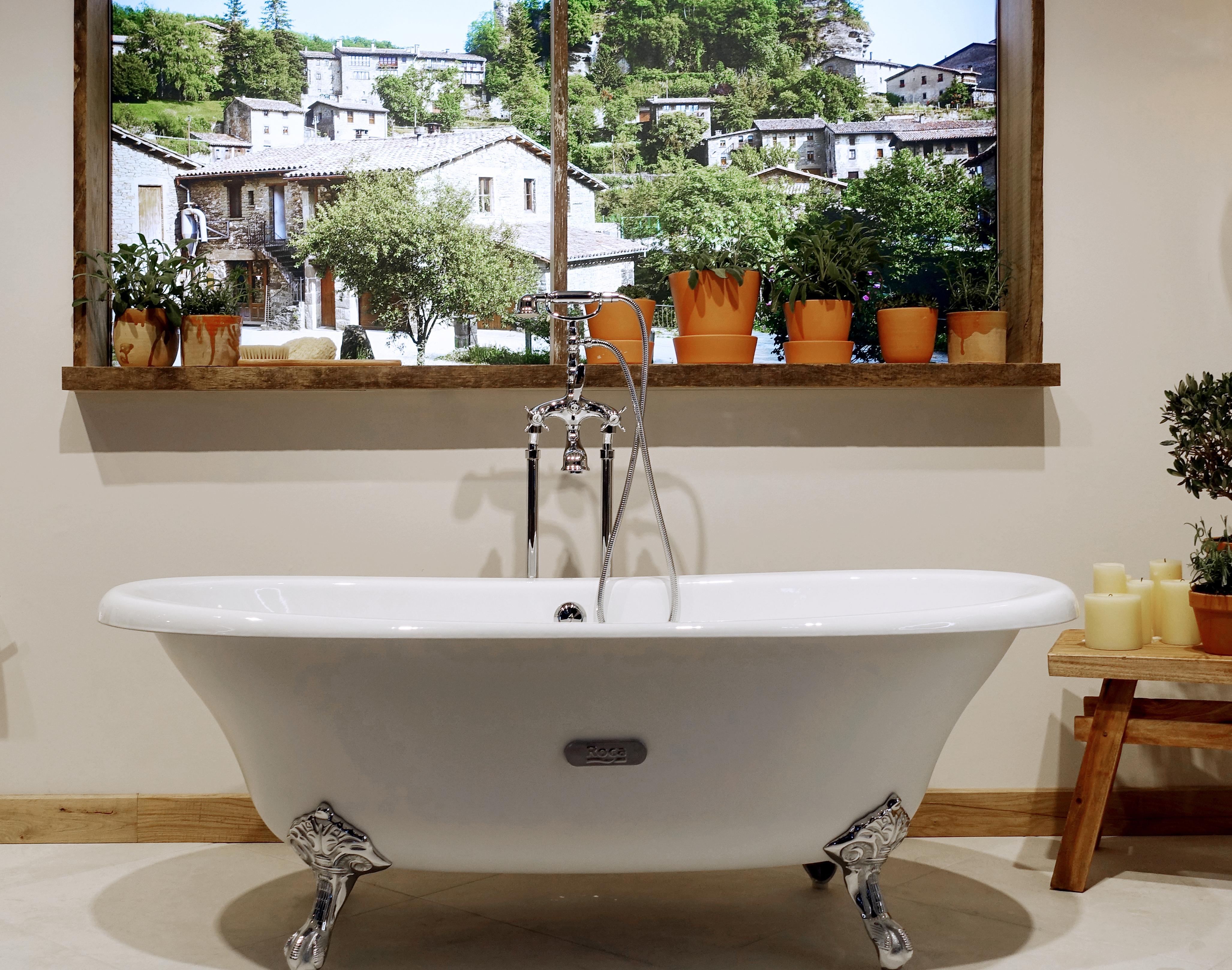 Die Badewanne kehrt als Solitär ins Bad zurück. | STYLEPARK