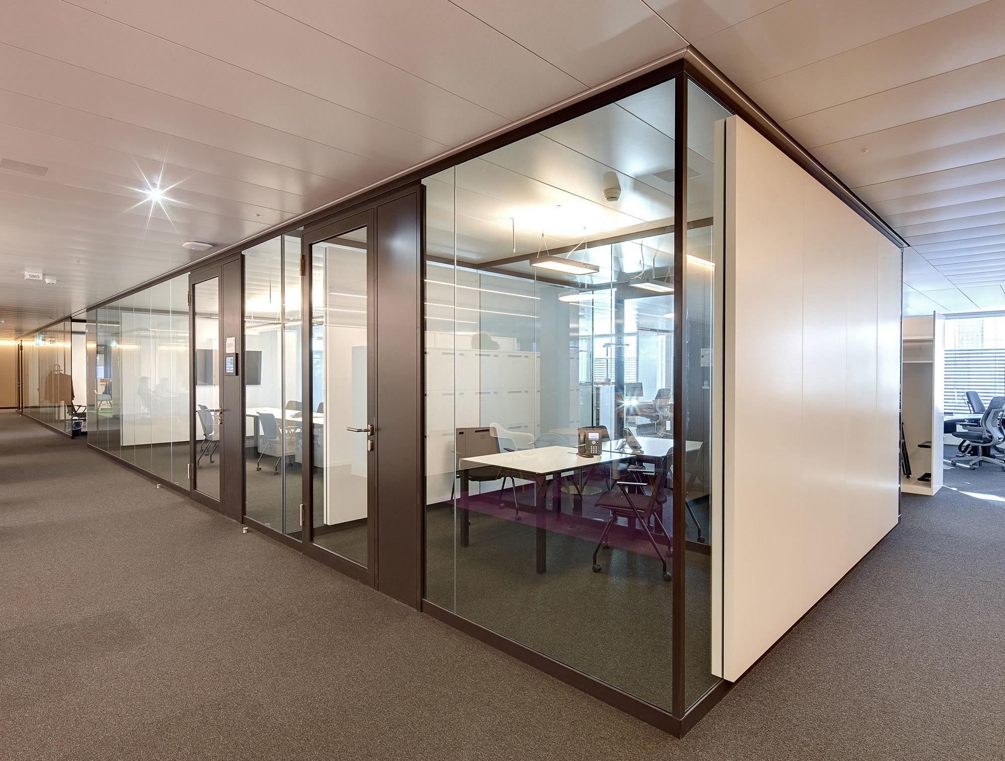 glastrennwand lindner life 620 von lindner group stylepark. Black Bedroom Furniture Sets. Home Design Ideas