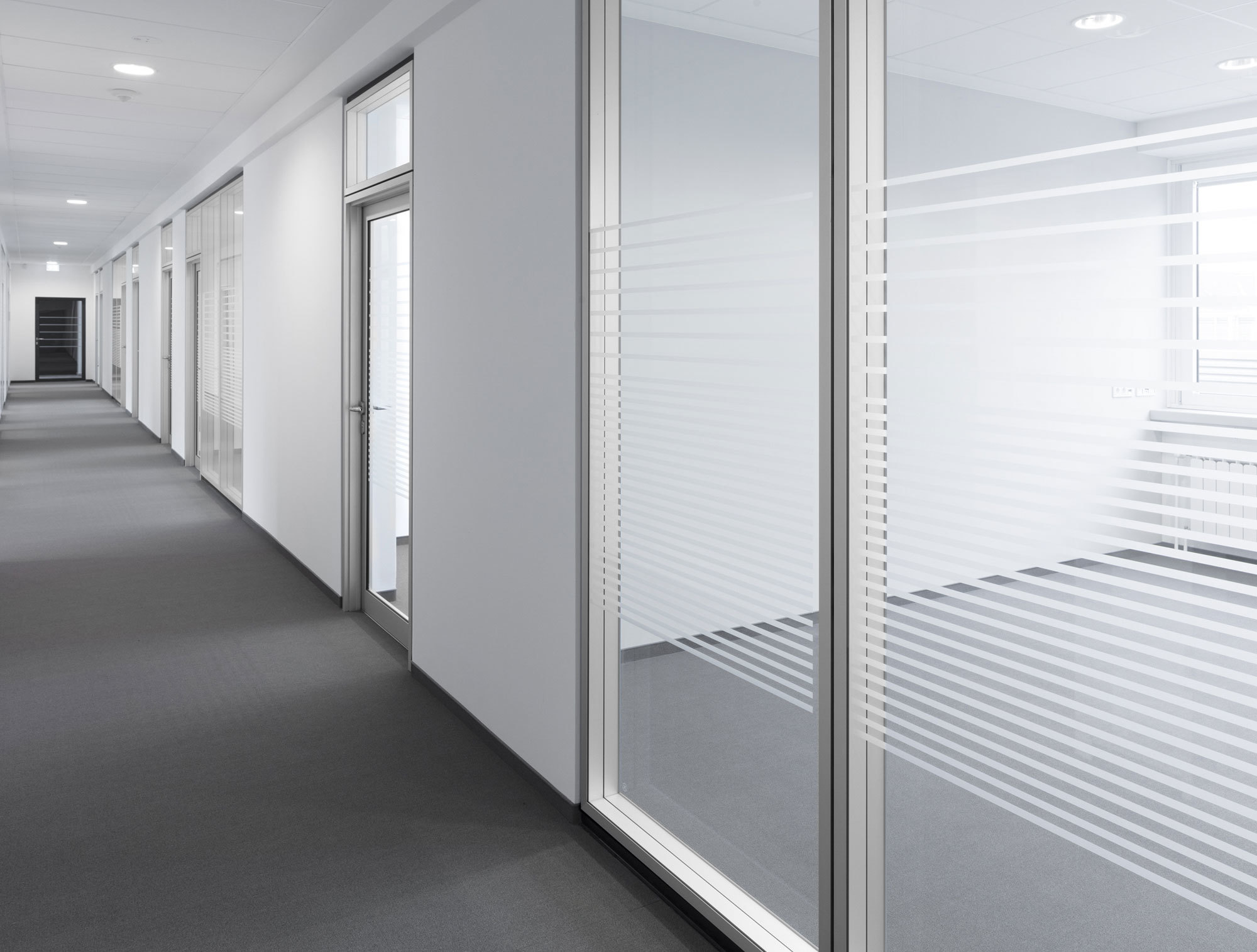 Glass partition Lindner Life by Lindner Group | STYLEPARK