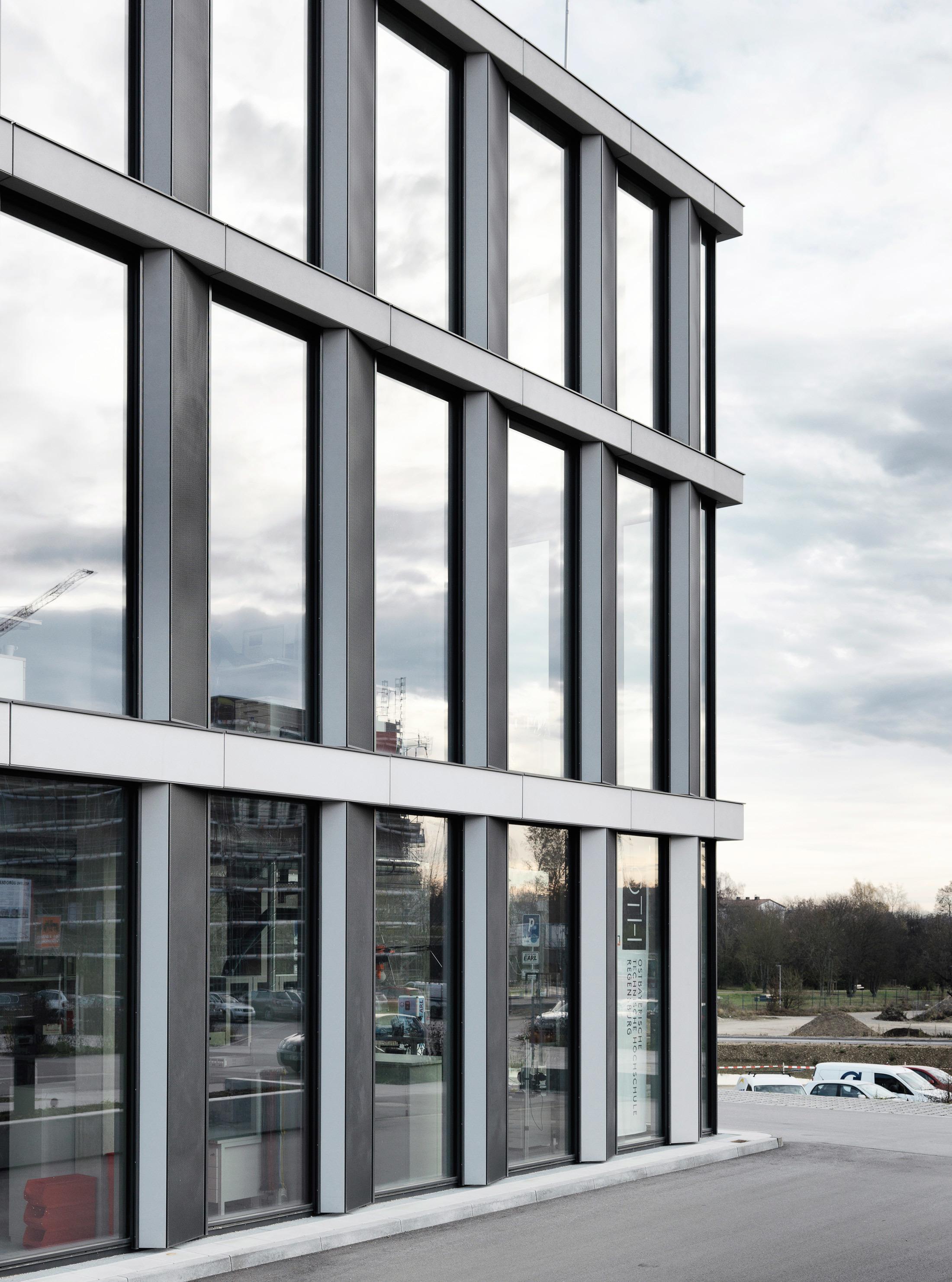 concrete skin techbase regensburg von rieder stylepark. Black Bedroom Furniture Sets. Home Design Ideas