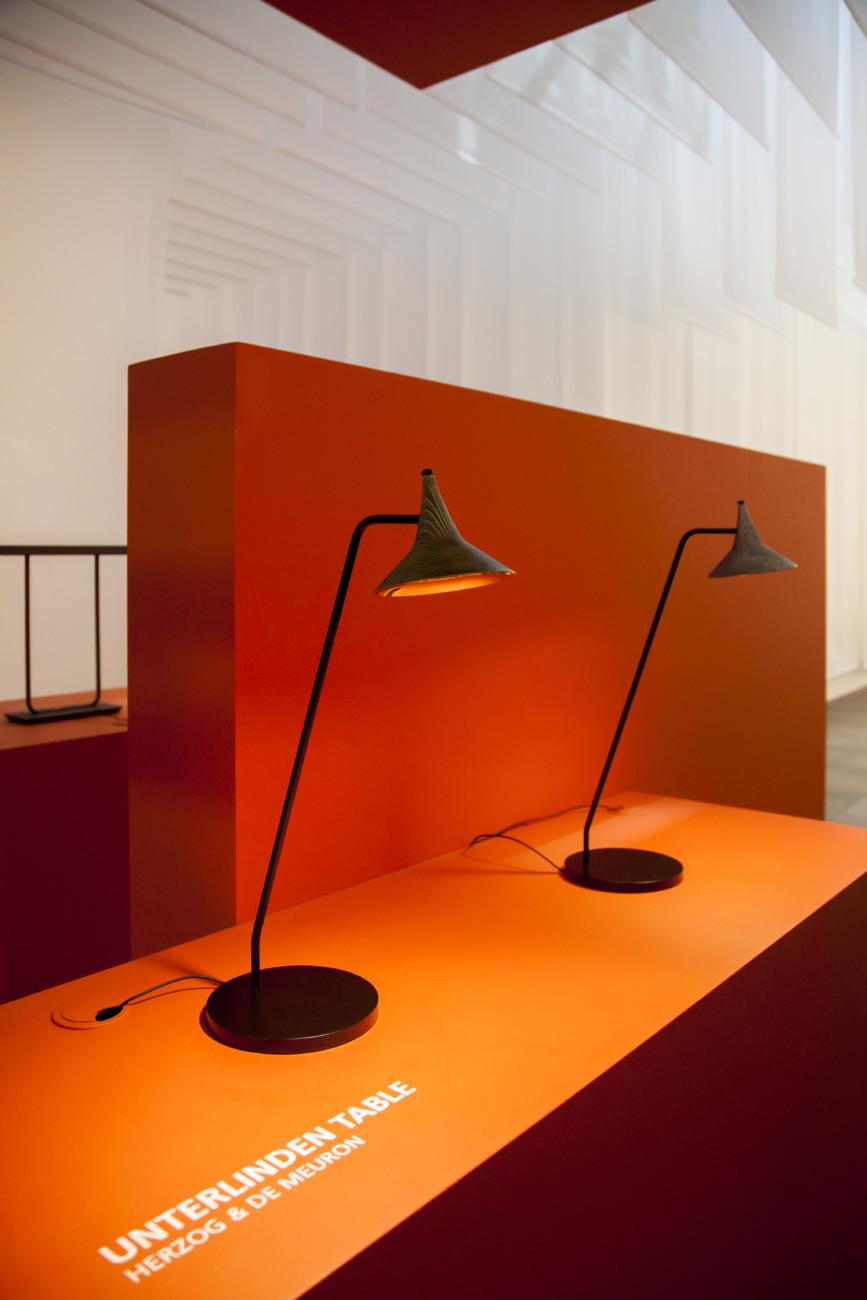 """Elegantes Köpfchen: """"Unterlinden"""" heißt die neue Leuchte von Herzog & De Meuron für Artemide."""