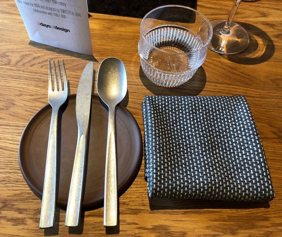 In keeping with the authentic concept of the restaurant by René Redzepi and Thorsten Schmidt, this high-quality design cutlery does not need any embellishment.