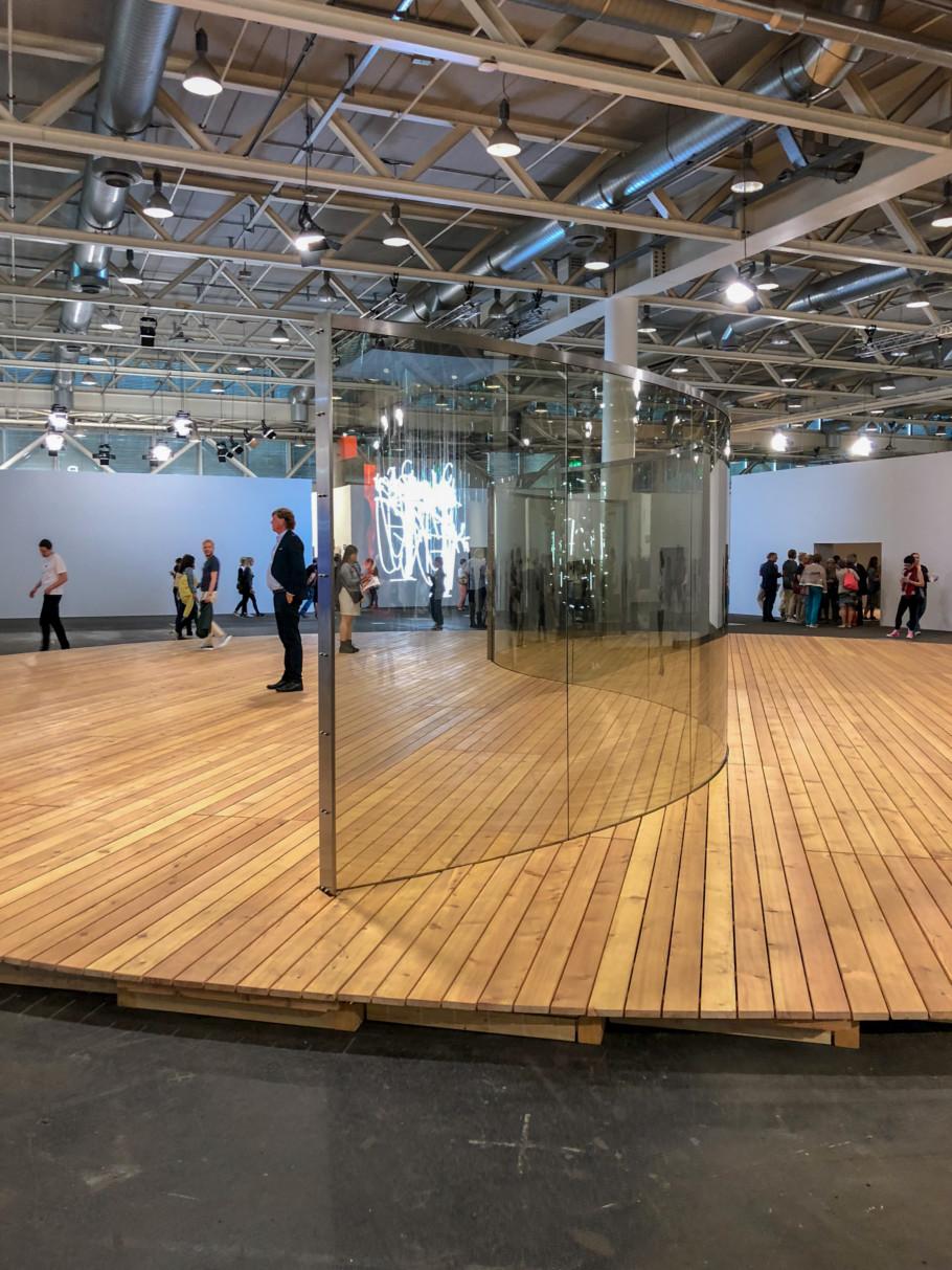 Dan Graham S Curve For St Gallen 2001 Art Basel 2018 Stylepark