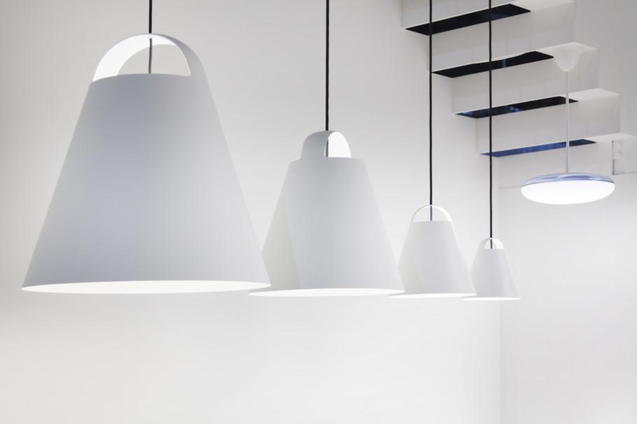 """Die Pendelleuchte """"Above"""" wurde von Designer Mads Odgard für Louis Poulsen entworfen."""
