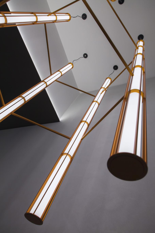 """Die neue Lust am Luster: """"Verticale"""" wurde von Ronan und Erwan Bouroullec für Flos entworfen."""