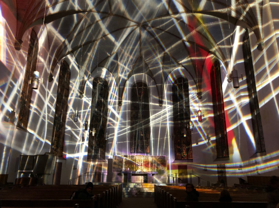 """""""Katharinen+Passion"""" by Victoria Coeln and Martin Lücker and Jorin Sandau at the Rieger organ transform the Katharinenkirche at the Hauptwache into an analogue art space."""