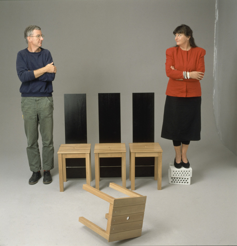 Alfred Hablützel, Susi und Ueli Berger mit Tabouret, 1987, Museum für Gestaltung Zürich, Designsammlung, Foto: © ZHdK