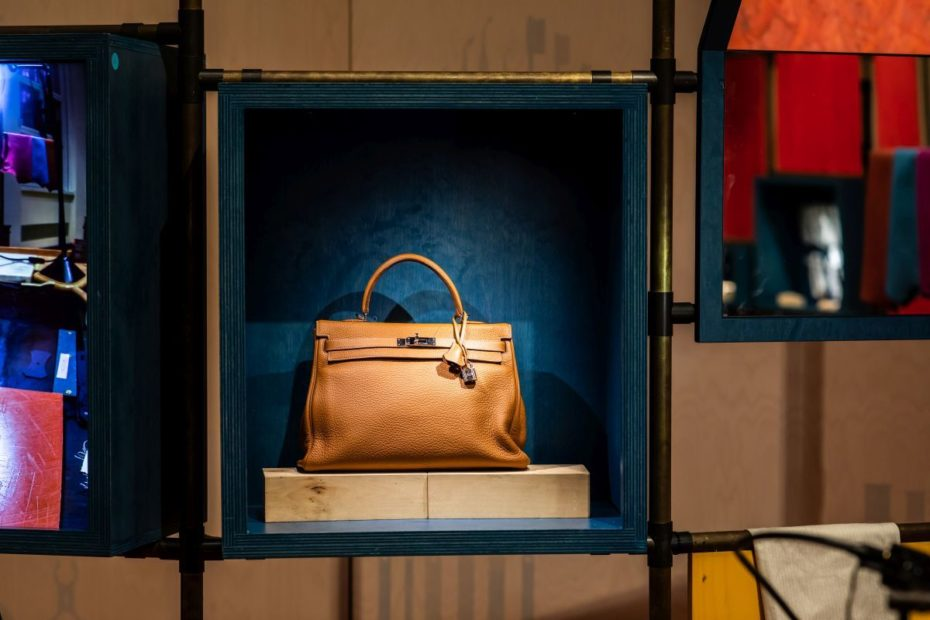 "Image gallery ""Hermès at work"""