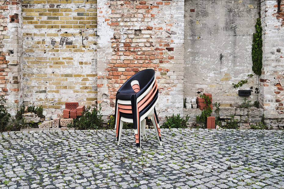 "Image gallery ""Bell Chair"" by Konstantin Grcic for Magis"