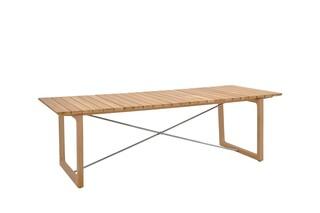 Benton table  by  Garpa
