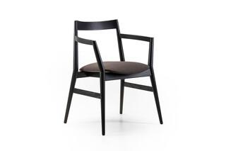 Dobra chair  by  Prostoria