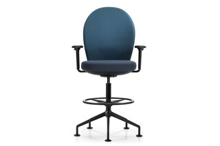 Marva high office swivel chair  by  Girsberger