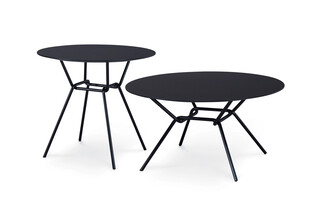 Strain low table outdoor  by  Prostoria