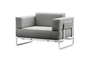S 5001  by  Thonet