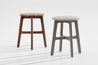 1.3 Stool – Close upholstery  by  Zeitraum