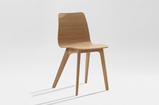 Morph – Wooden seat veneered  by  Zeitraum