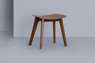 Morph Stool – Wooden seat  by  Zeitraum