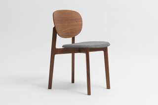 Zenso – Fully upholstered seat and wooden back  by  Zeitraum