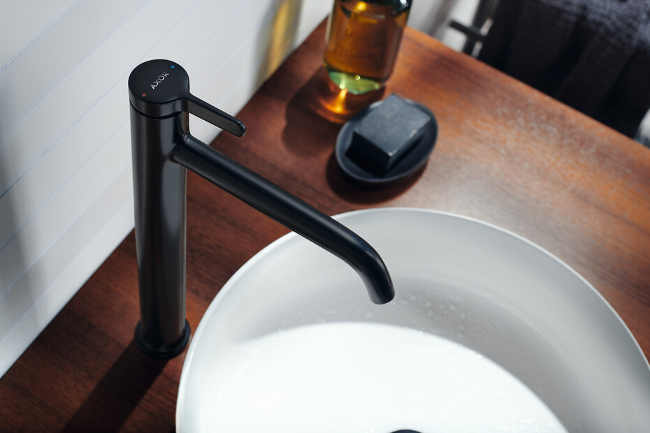 AXOR One Einhebel-Waschtischmischer 260 mit Hebelgriff und Ablaufgarnitur Chrom
