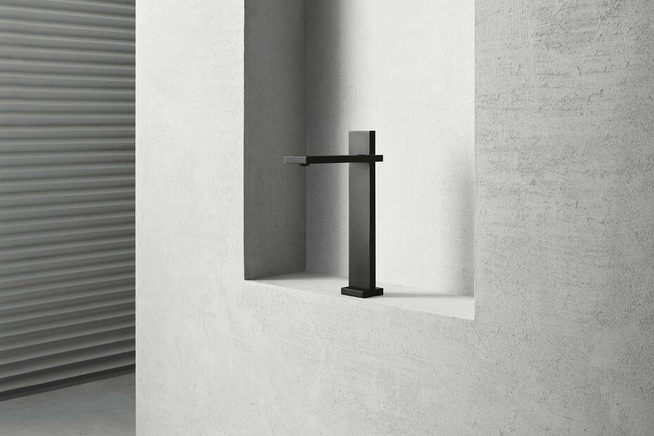 AK/25 Aboutwater Boffi / Fantini Single-hole high washbasin mixer