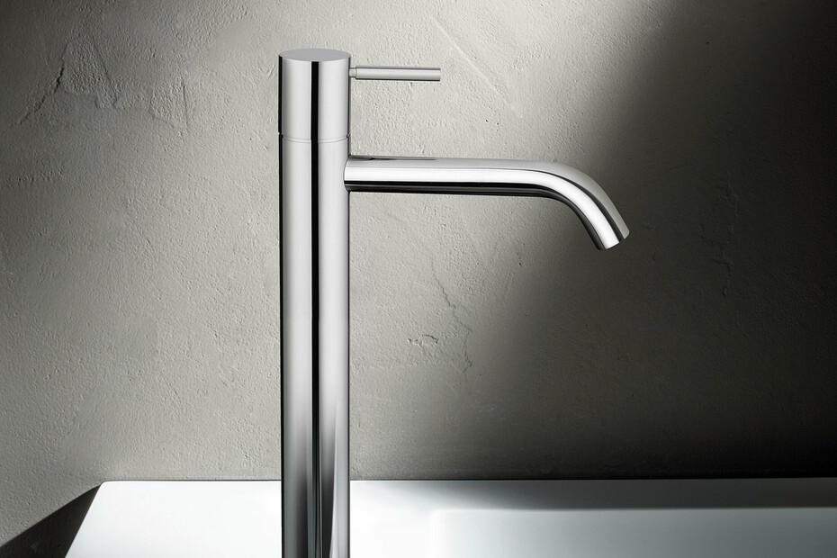 NOSTROMO SMALL Single-hole high washbasin mixer
