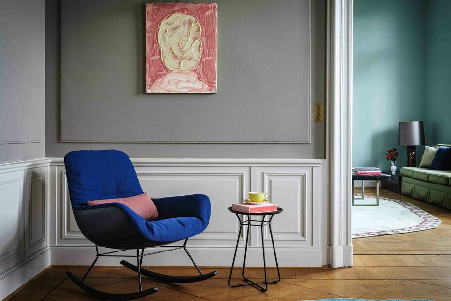 Leya rocking lounge chair