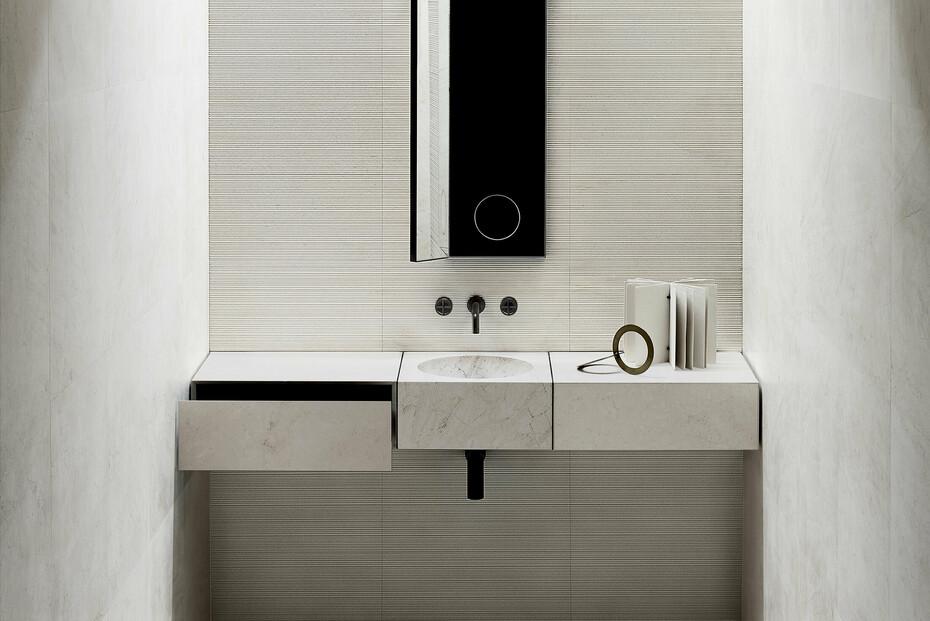 Wall-mount washbasin mixer