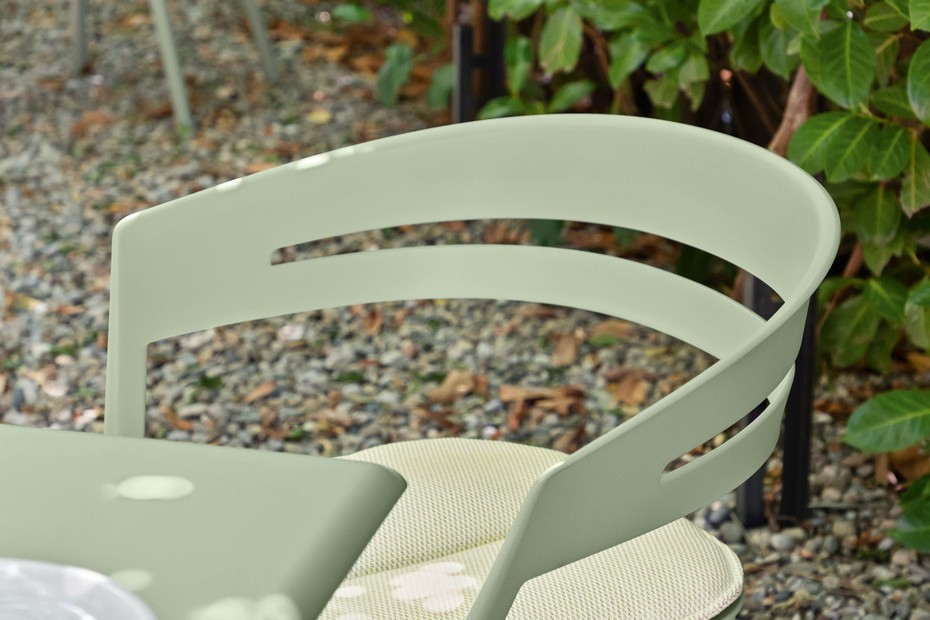 Ria dining armchair