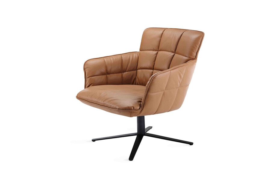 Marla easy chair low with x-base frame