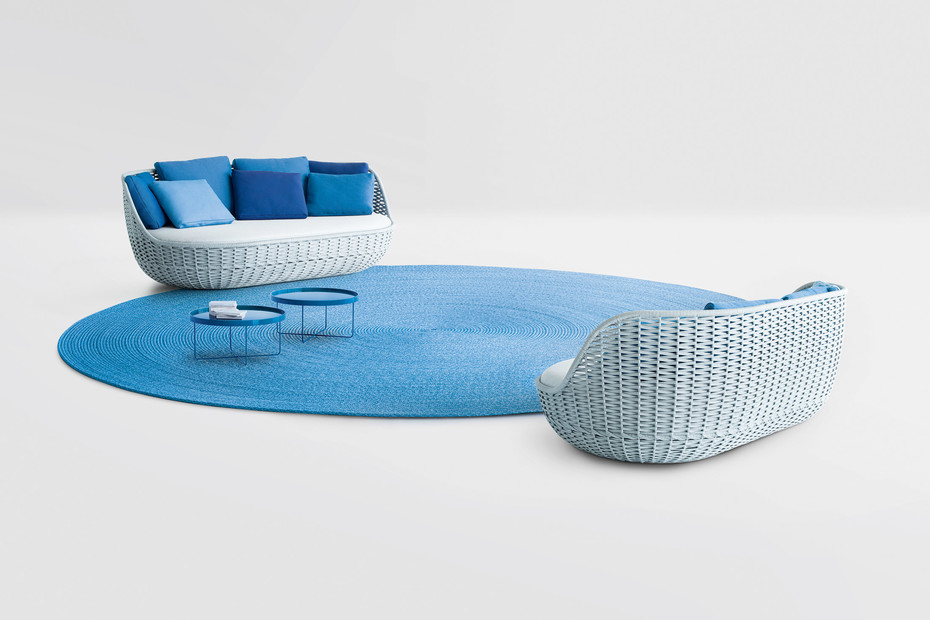 Orbitry sofa