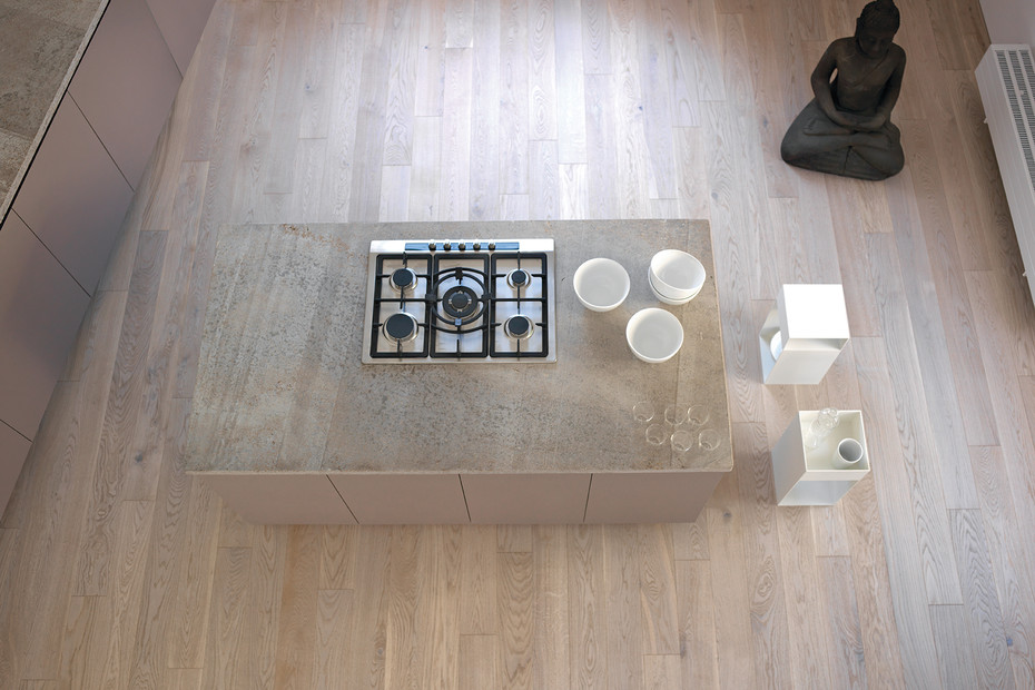MATCH side table