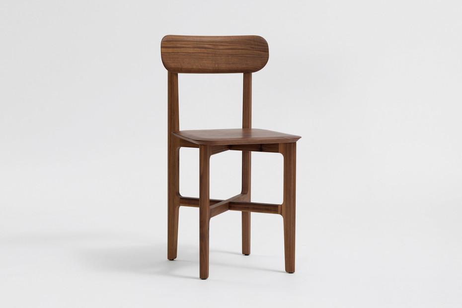 1.3 Chair – Holzsitz