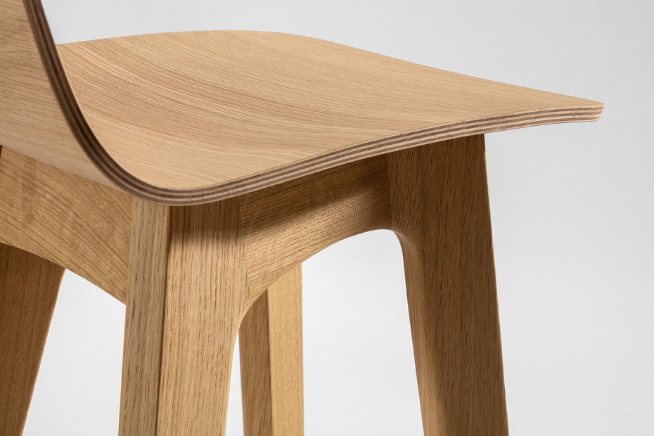 Morph Bar – Wooden seat veneered