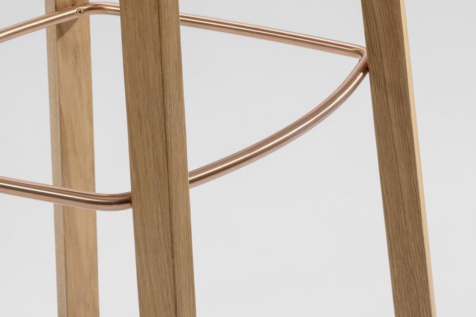 Nonoto Bar – Wooden seat
