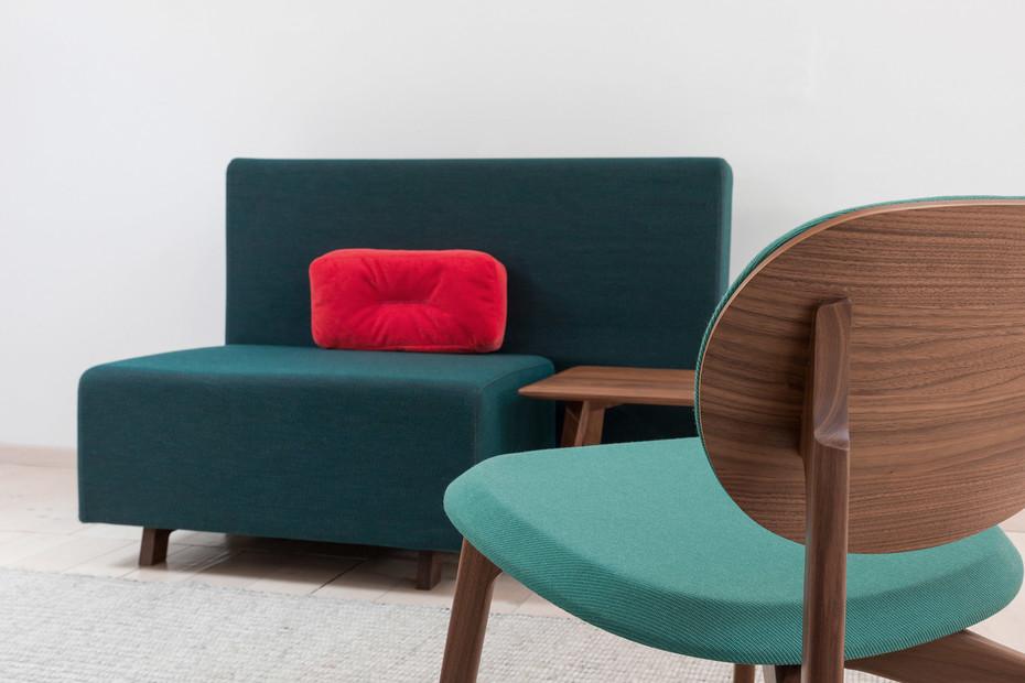 Side Comfort Pouf & Back