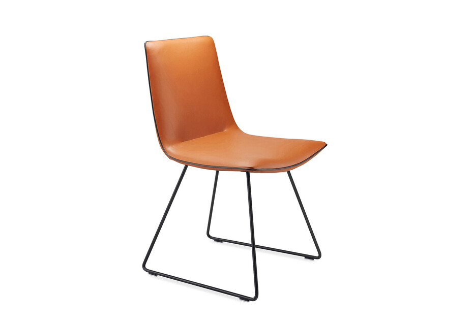 Amelie chair with skid frame