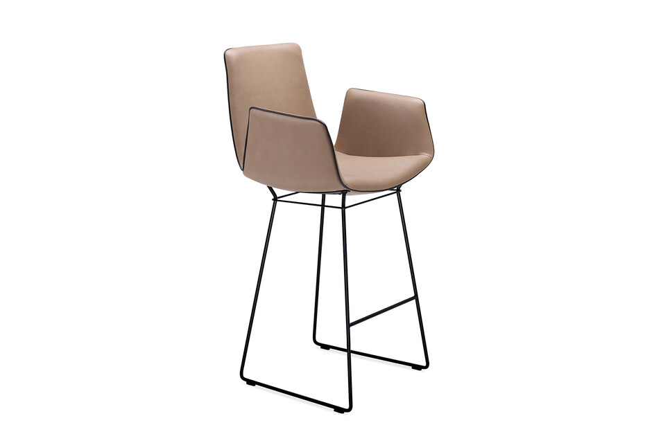 Amelie bar armchair with wire frame
