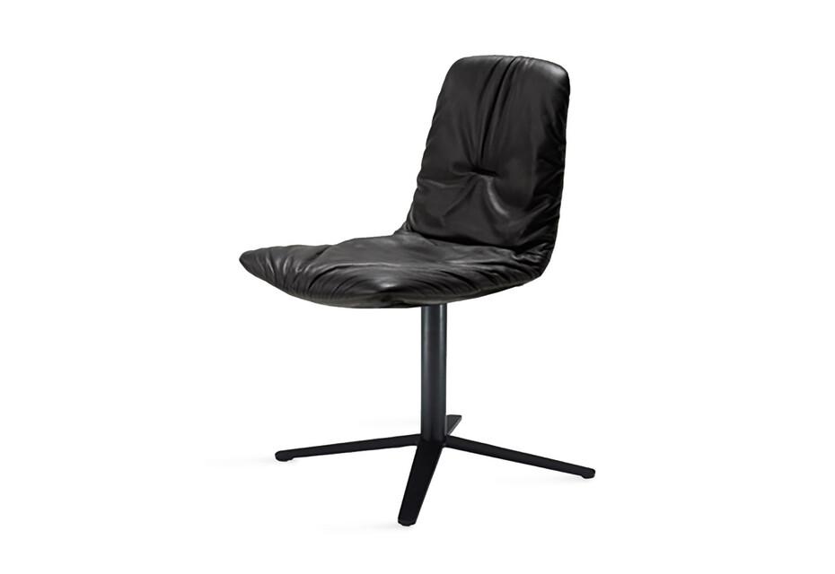 Leya Chair mit Fußkreuzgestell