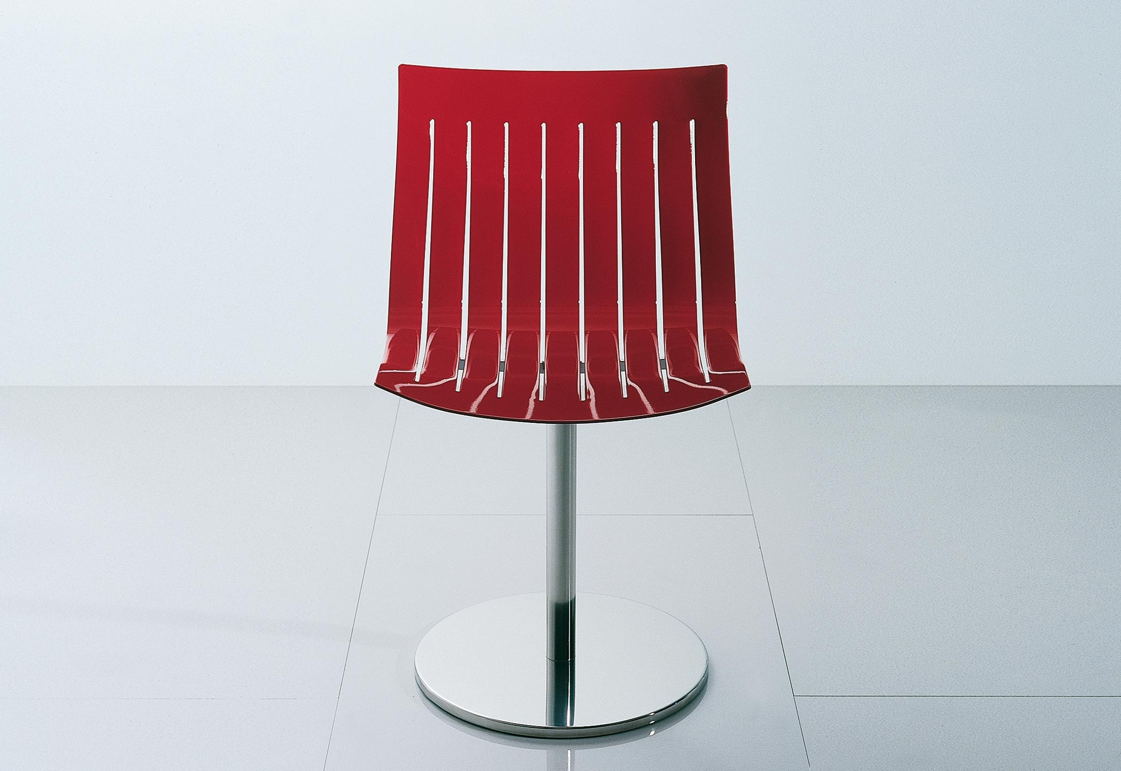 Airy swivel chair by Acerbis
